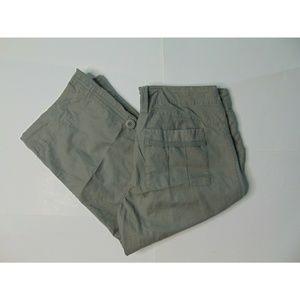 Mountain Hardwear 8 Gray Hiking Capris Pants